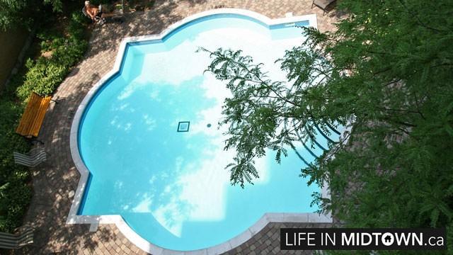 LifeInMidtown-Condos-123-Eglinton-Pool