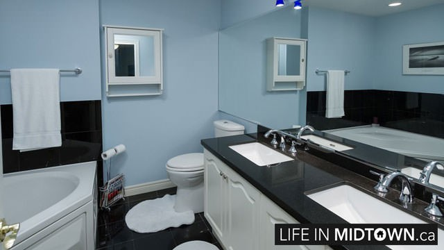 LifeInMidtown-Condos-2-Edith-Bathroom