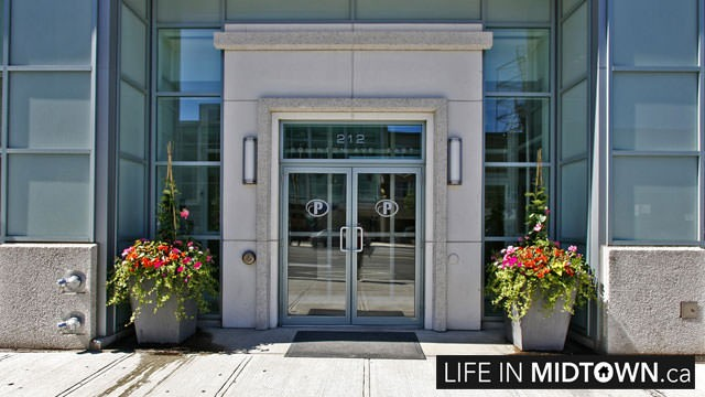 LifeInMidtown-Condos-212-Eglinton-Entrance