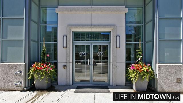 LifeInMidtown-Condos-212-Eglinton-Entrance