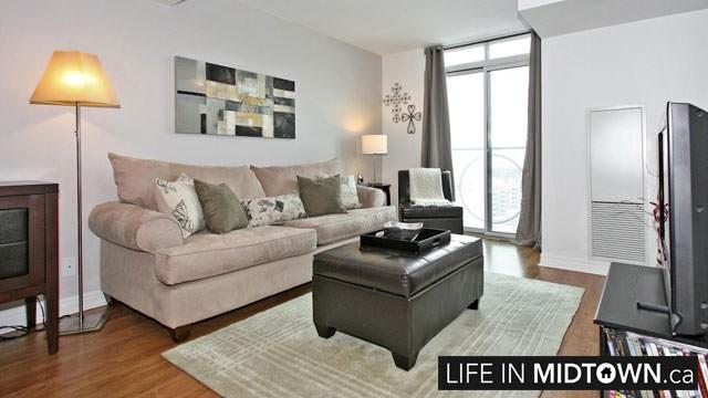 LifeInMidtown-Condos-212-Eglinton-Living-Room