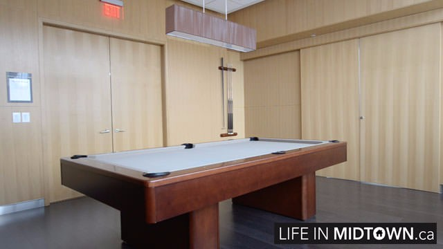 LifeInMidtown-Condos-25-Broadway-BilliardsRoom