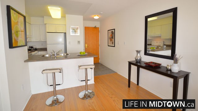 LifeInMidtown-Condos-253-Merton-Kitchen