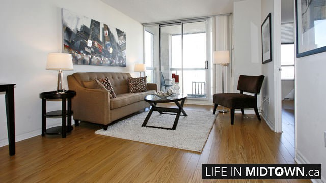 LifeInMidtown-Condos-253-Merton-Living-Room