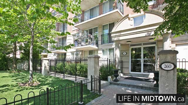LifeInMidtown-Condos-260-Merton-Entrance
