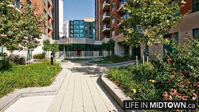 LifeInMidtown-Condos-319-Merton-Exterior3