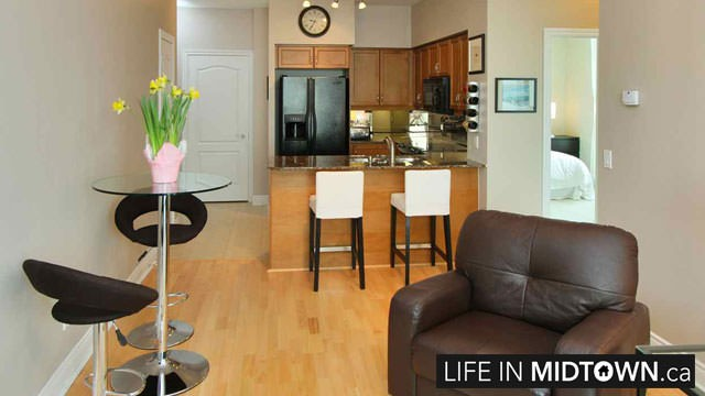 LifeInMidtown-Condos-319-Merton-Living-Kitchen