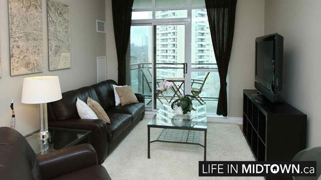 LifeInMidtown-Condos-319-Merton-Living-Room