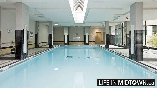 LifeInMidtown-Condos-319-Merton-Pool2