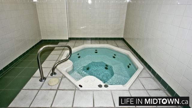 LifeInMidtown-Condos-43-Eglinton-Hot-Tub