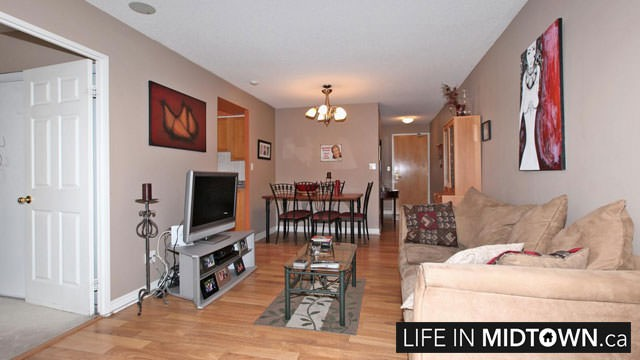 LifeInMidtown-Condos-43-Eglinton-Living-Dining-Room2
