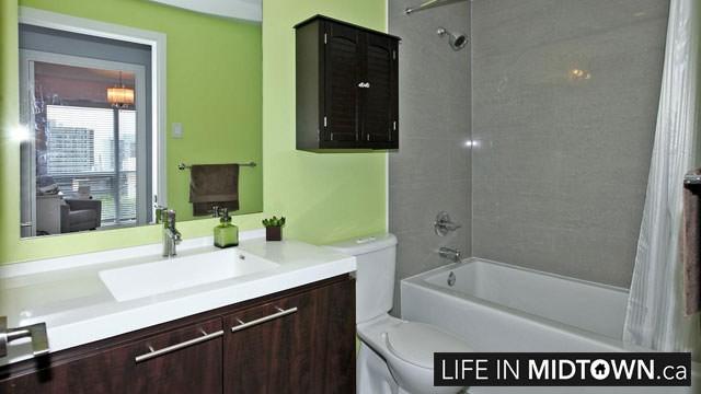 LifeInMidtown-Condos-70-Roehampton-Bathroom