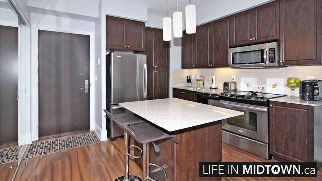 LifeInMidtown-Condos-70-Roehampton-Kitchen