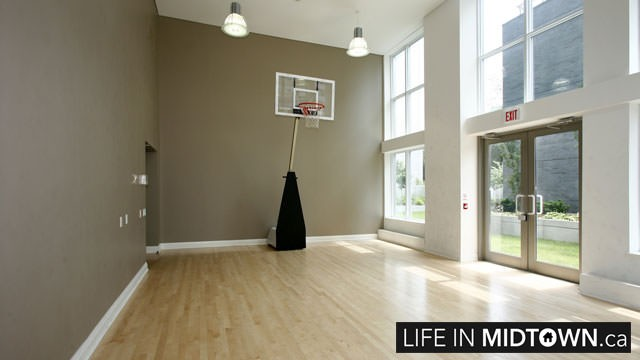 LifeInMidtown-Condos-83-Redpath-Yoge-Basketball-Room
