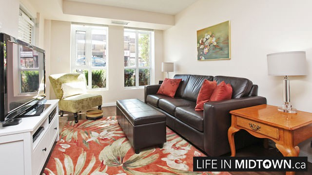 LifeInMidtown-Condos-900-MountPleasant-Living-Room1