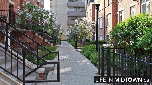 LifeInMidtown-Condos-Redpath-Lillian-Townhouses-Exterior2