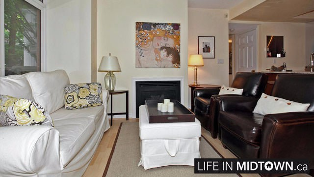LifeInMidtown-Condos-Redpath-Lillian-Townhouses-Living-Room3