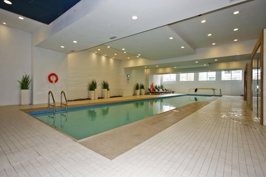 2191 Yonge - Swimming Pool